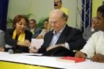 Hipolito Mejia, Mario Serrano y Maria Teresa Cabreja 001